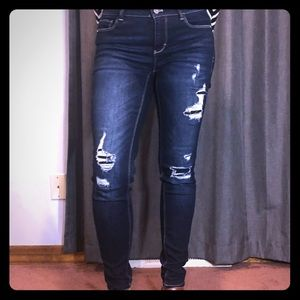 WHBM skinny leg ripped jean